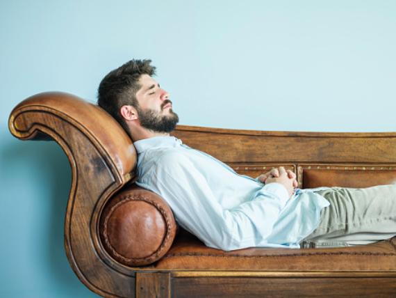 Hypnose pour dormir: les meilleures méthodes pour s'endormir